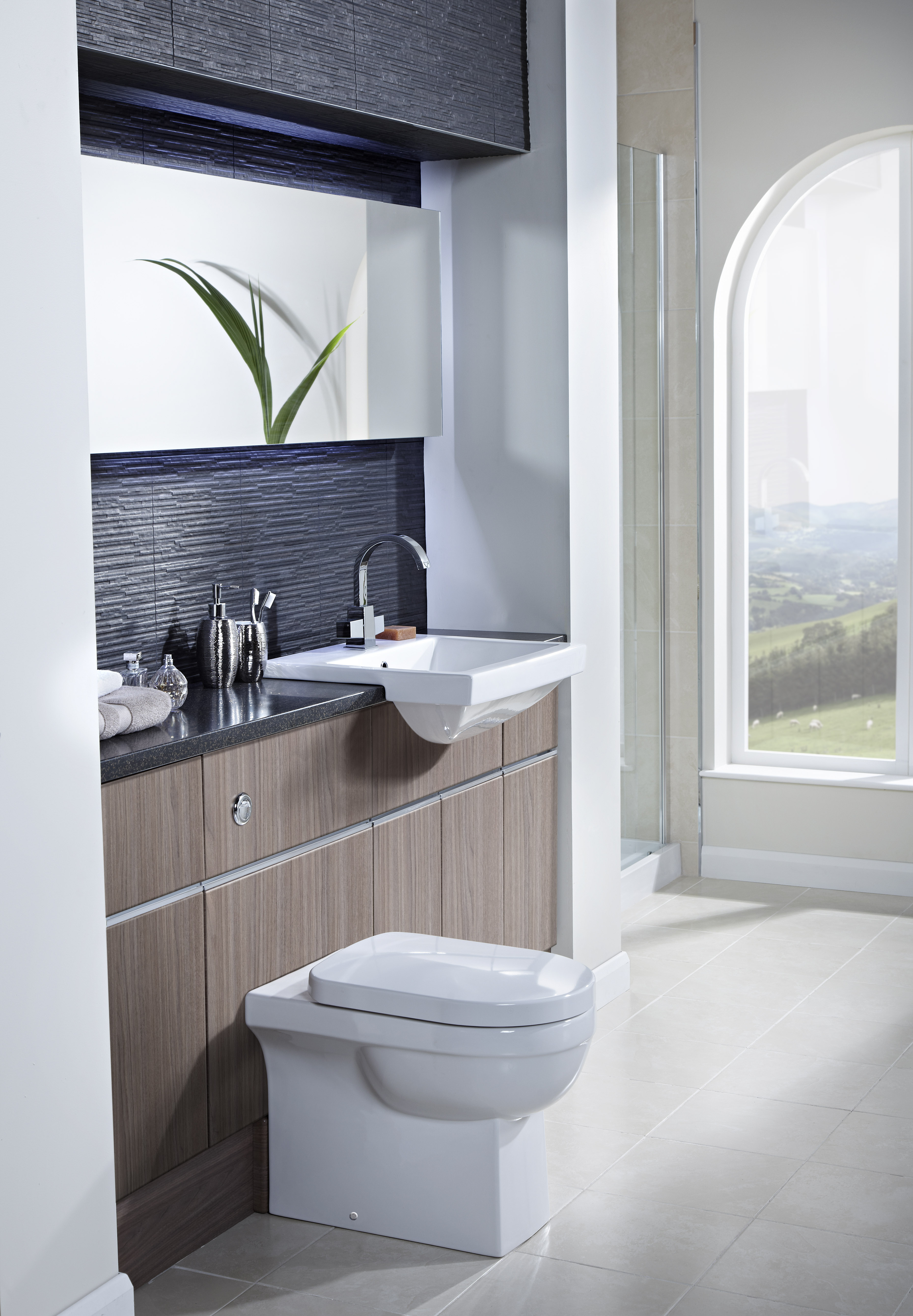 Bathroom Design Supply Westhoughton : Fitted bathroom in little lever