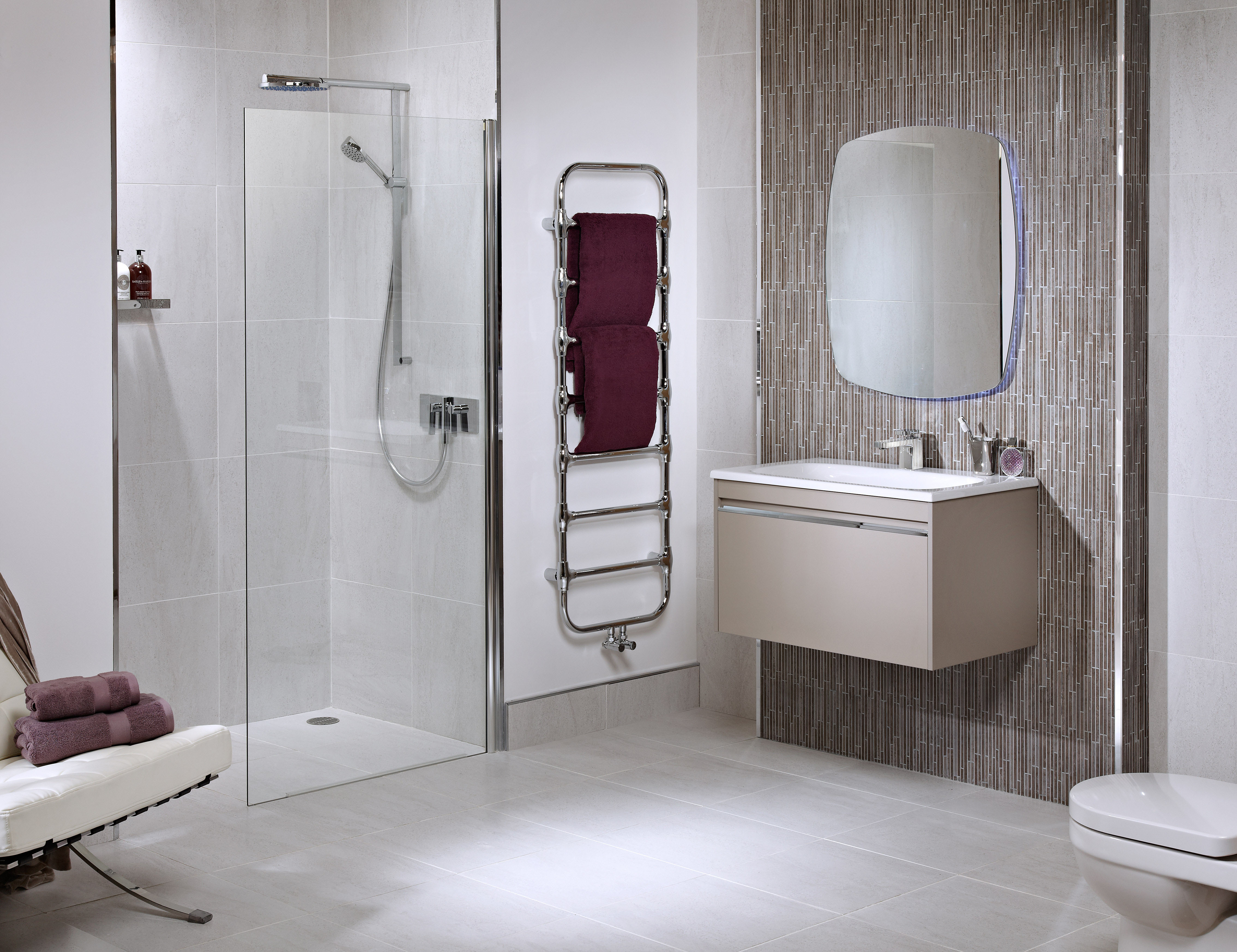 photo of a wetroom Bathroom Design